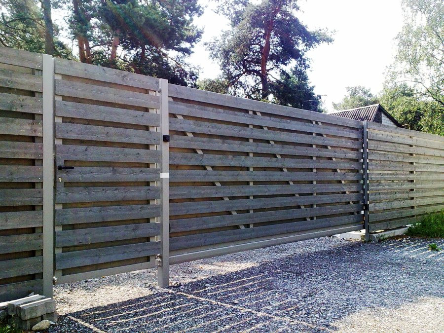 Liugvärav, puitaed, piirdeaed, väravaautomaatika