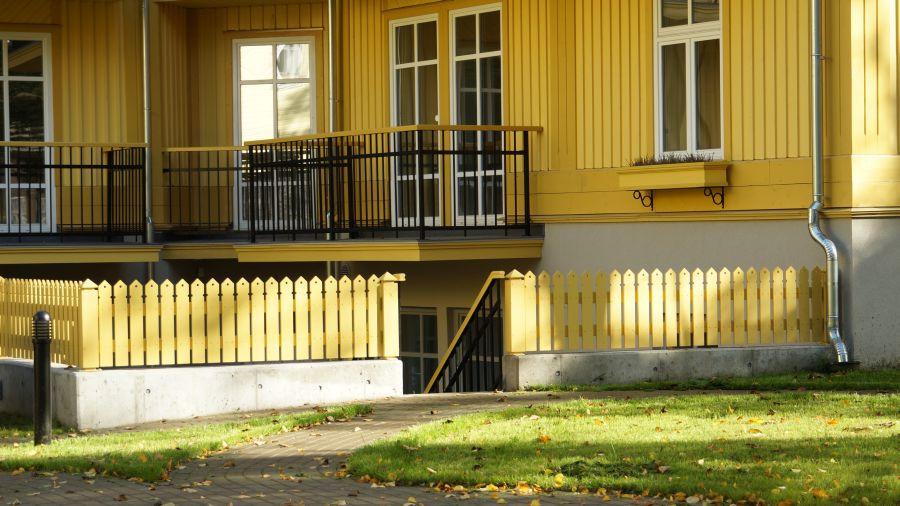 Puitaed Poska tänaval