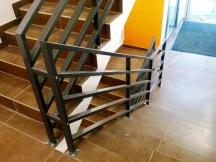 Kortermaja sisemine trepipiire