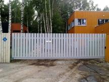 Liugvärav, väravaautomaatika, puitaed