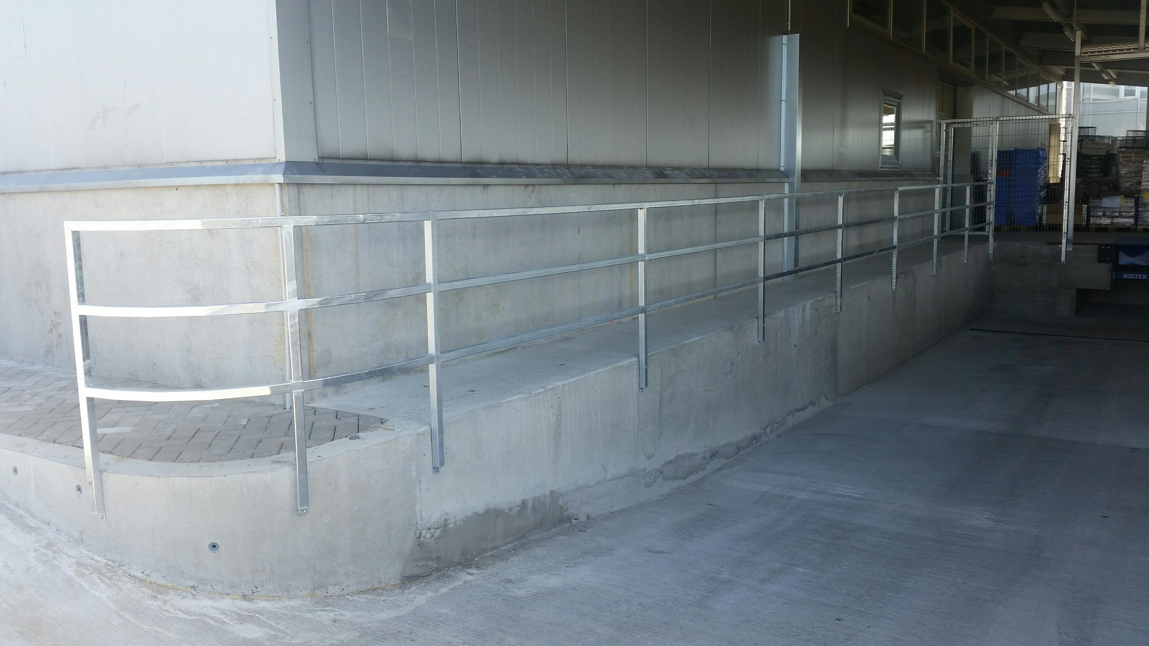 Metallpiirded, trepipiirded, käsipuu