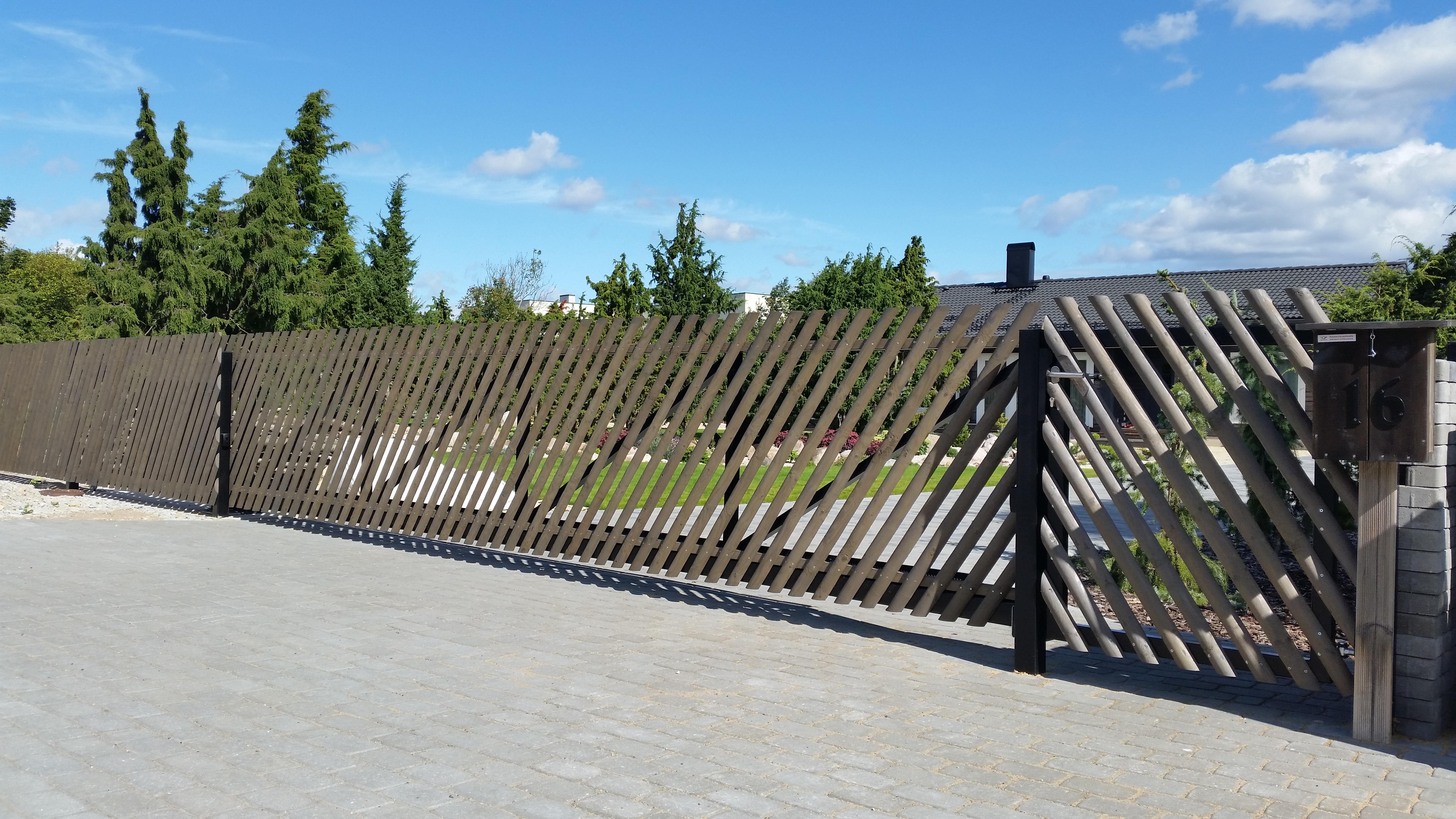 Puitaed, liugvärav, piirdeaed, jalgvärav, väravaautomaatika, väravad