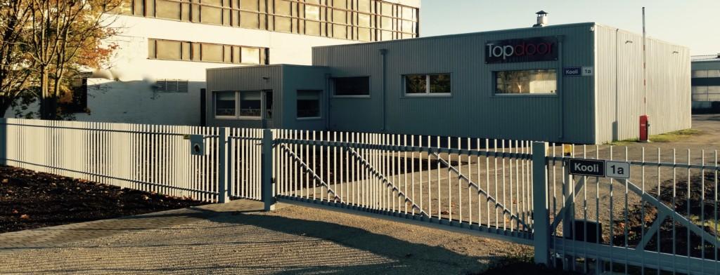 Topdoor piirdeaed, liugvärav, metallaed, väravaautomaatika