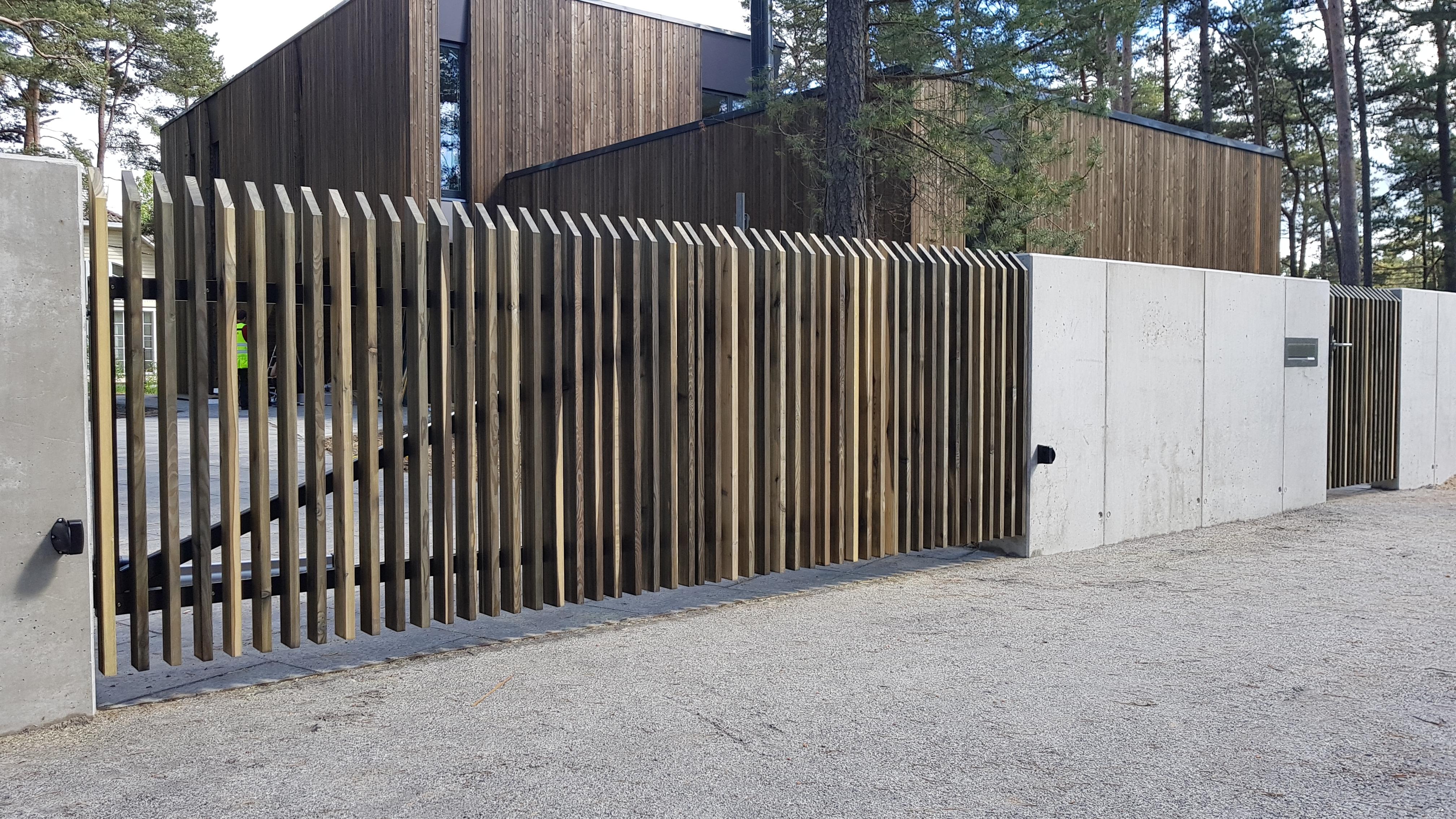 Lehisest piirdeaed, lehisest aed, lehisest aialipid, lehisest väravad