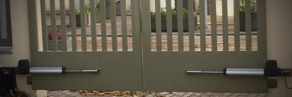 Väravautomaatika, tiibväravad