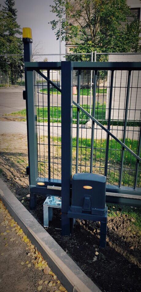 Liugvärav, väravaautomaatika