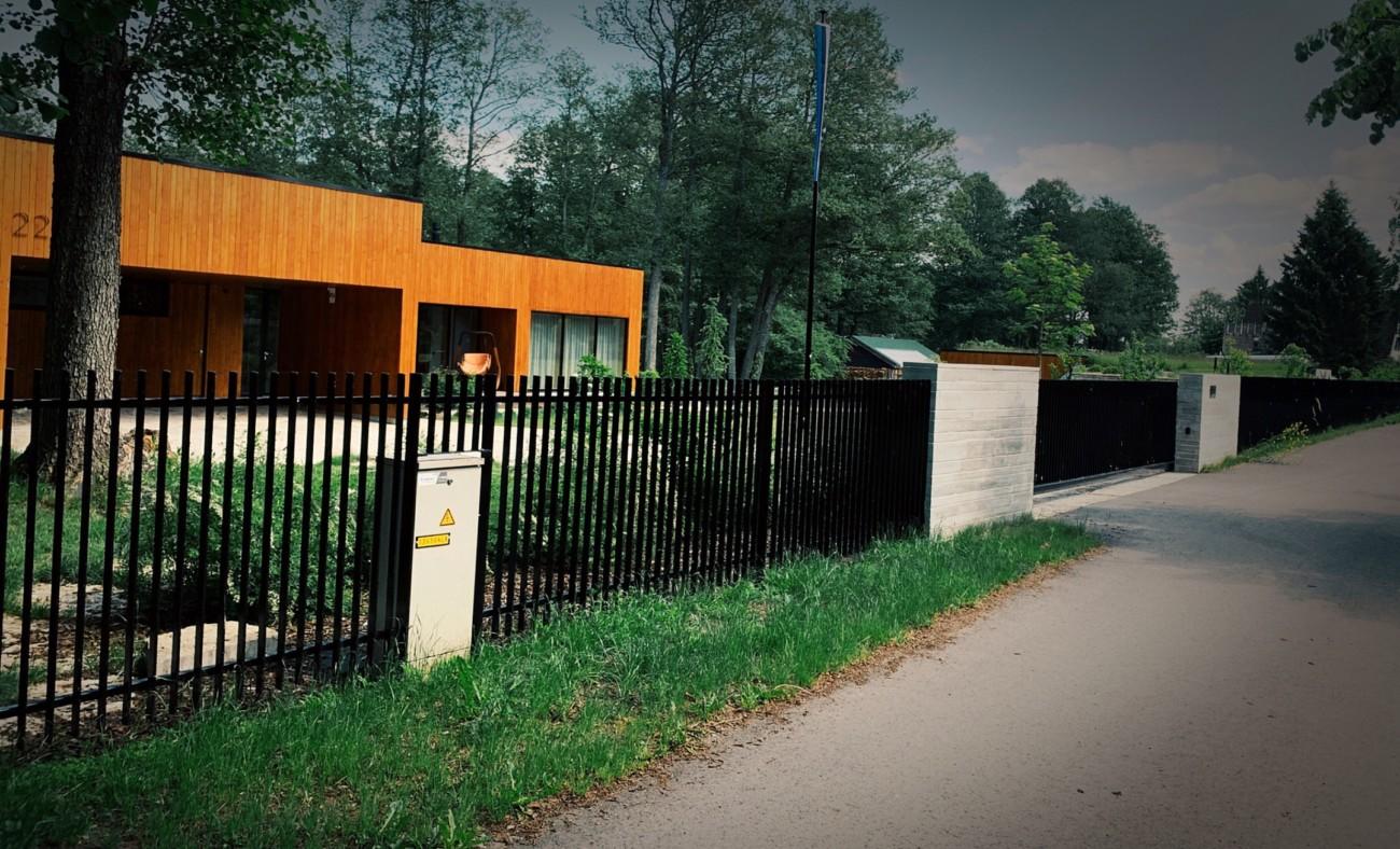 Metallaed, aia ehitus, piirdeaed. liugvärava, väravaautomaatika