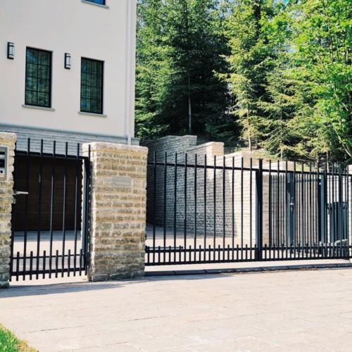 Aia ehitumine, piirdeaed, metallaed, jalgvärav, liugvärav, väravaautomaatika
